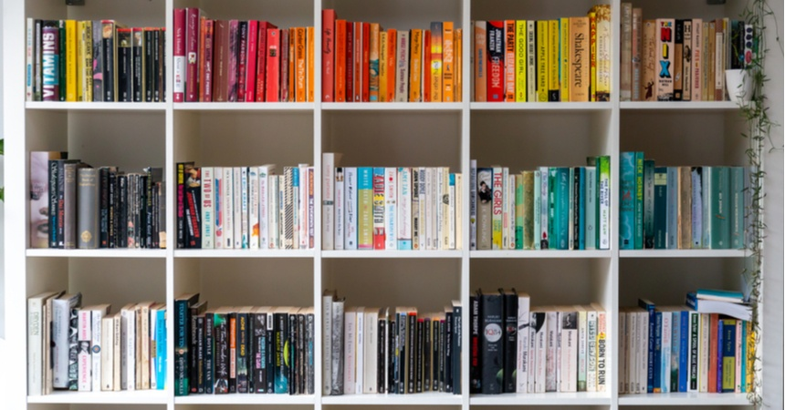 How to Declutter Your Bookshelf (While Making Money!)